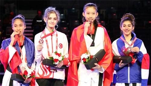 Taekwondo : Kim Ngan medaillee au Canada hinh anh 1