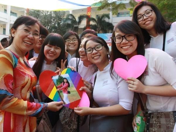 Le Premier ministre Nguyen Xuan Phuc felicite des enseignants vietnamiens hinh anh 1