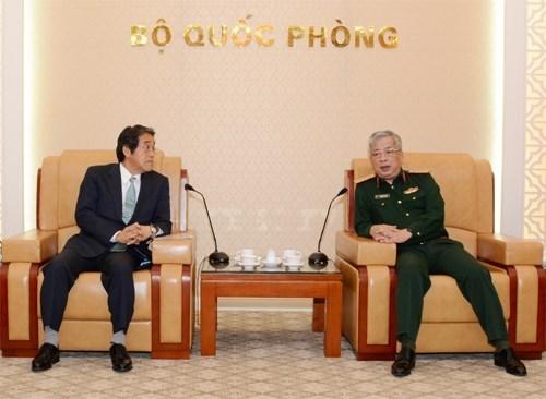 Le Japon veut renforcer la cooperation dans la defense avec le Vietnam hinh anh 1