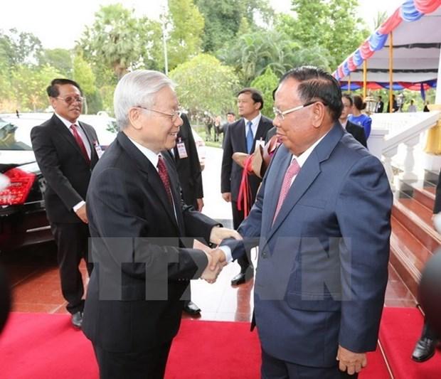La visite d'amitie officielle du leader du PCV au Laos couronne de succes hinh anh 1