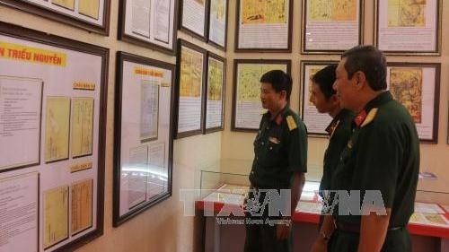 Can Tho: Exposition sur les deux archipels de Hoang Sa et Truong Sa du Vietnam hinh anh 1