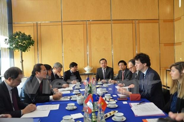 Vietnam et France renforcent leur cooperation dans l'information et la communication hinh anh 1