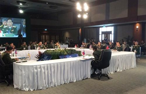 Les armees de terre des pays de l'ASEAN scellent une cooperation hinh anh 1