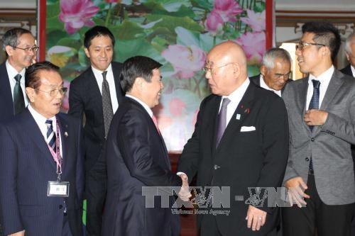 Nguyen Xuan Phuc recoit le conseiller special du gouvernement japonais hinh anh 2