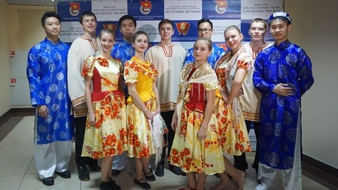 Programme d'echanges artistiques Vietnam - Russie hinh anh 1
