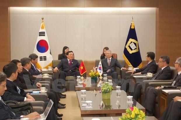 Vietnam et R. de Coree renforcent la cooperation entre leurs cours supremes hinh anh 1