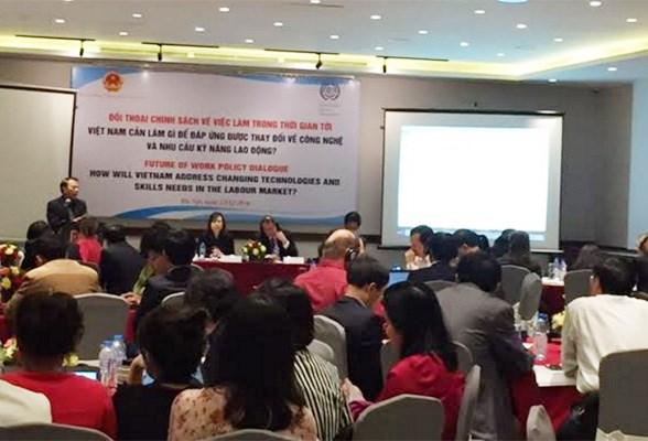 Investir dans le developpement de ressources humaines, cle de l'integration, au menu d'un dialogue hinh anh 1