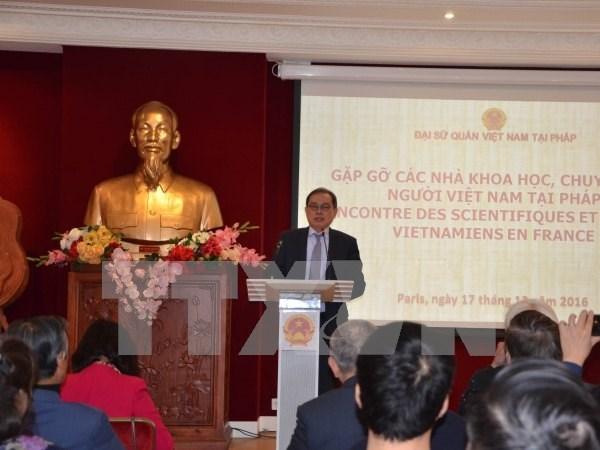 Rencontre entre scientifiques et experts vietnamiens en France hinh anh 1