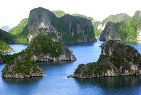 La baie d'Ha Long parmi les 10 patrimoines les plus impressionnants d'Asie hinh anh 1