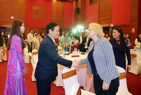 Le Vietnam souhaite promouvoir l'autonomisation economique des femmes hinh anh 1