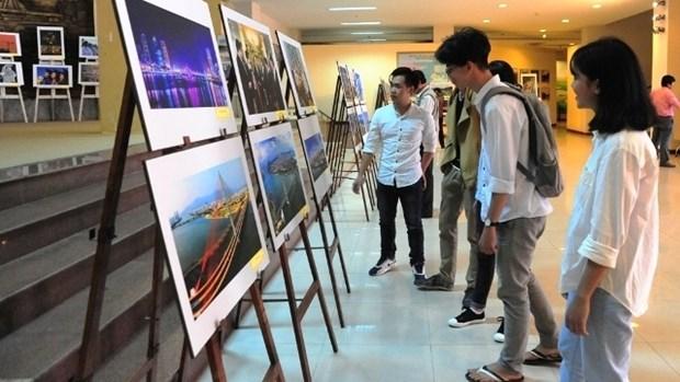 Exposition photographique : la ville de Da Nang, un chemin de 20 ans hinh anh 1