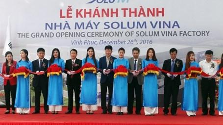 La SARL sud-coreenne Solum Vina inaugure une usine dans la province de Vinh Phuc hinh anh 1
