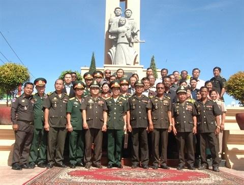 Un monument de l'amitie Vietnam-Cambodge inaugure a Kompong Thom hinh anh 1