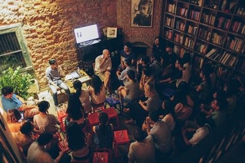 Le cafe-librairie, un concept en vogue a Hanoi hinh anh 3