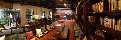 Le cafe-librairie, un concept en vogue a Hanoi hinh anh 2