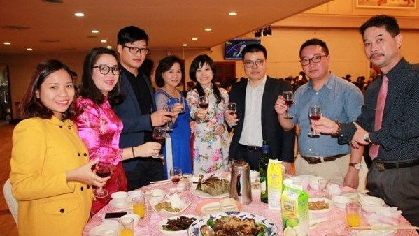 Les Vietnamiens a Taiwan (Chine) accueillent le Tet traditionnel 2017 hinh anh 1