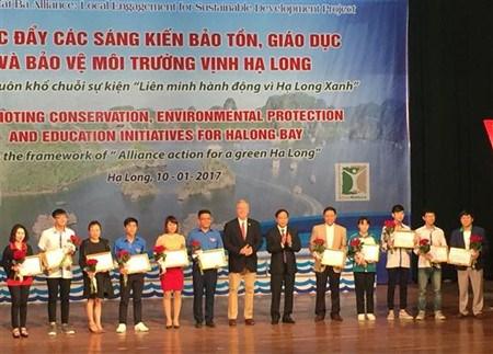 Promouvoir les initiatives de protection de l'environnement de la baie de Ha Long hinh anh 1