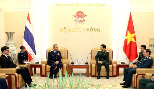 Vietnam et Thailande scellent leur cooperation dans la defense hinh anh 1