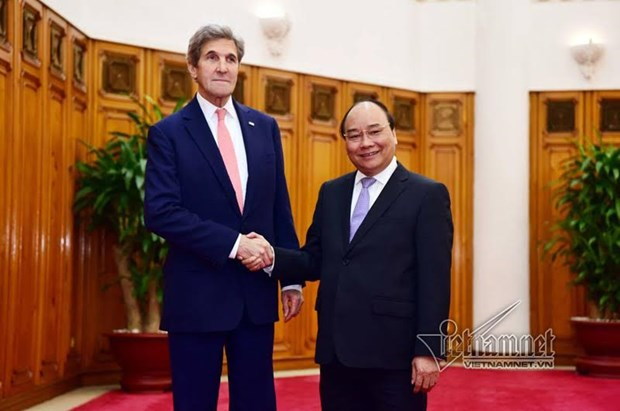 Le Premier ministre Nguyen Xuan Phuc recoit le secretaire d'Etat americain John Kerry hinh anh 1