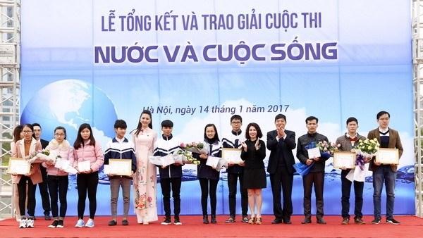 Concours «L'eau et la vie», temoignage de la responsabilite des jeunes hinh anh 1