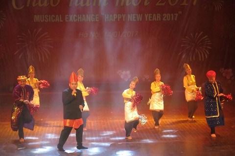 Hanoi: Un spectacle musical pour saluer le Nouvel An 2017 hinh anh 3