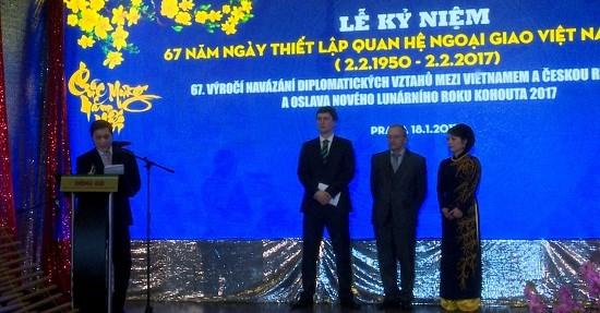 Celebration du 67e anniversaire des relations Vietnam-R. tcheque a Prague hinh anh 1