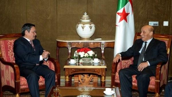 Renforcer la cooperation multiforme Vietnam - Algerie hinh anh 1