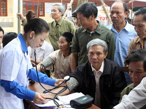 Plus de 90 millions de Vietnamiens beneficieront de consultations medicales periodiques hinh anh 1