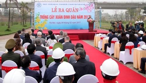 Hanoi lance la Fete de la plantation d'arbres 2017 hinh anh 1