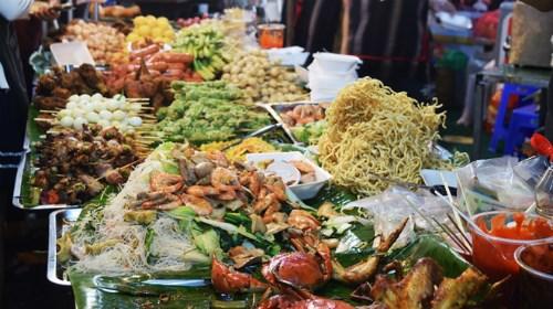 Premier festival international des plats de rue au Vietnam hinh anh 1