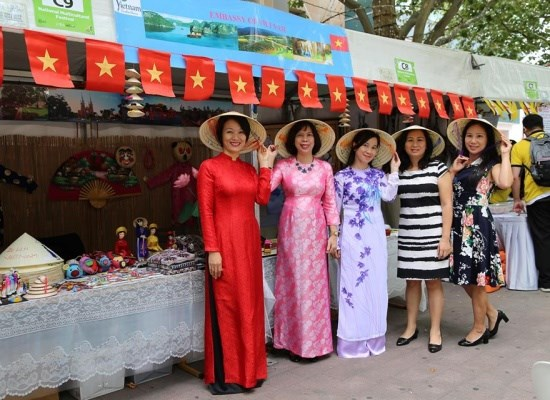 Le village de l'ASEAN a la fete multiculturelle nationale de l'Australie hinh anh 1