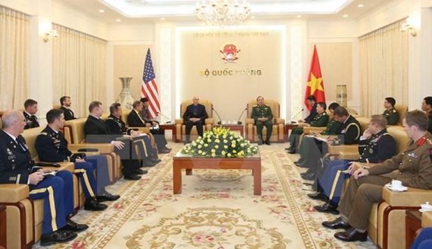 Le chef d'etat-major adjoint de l'Armee populaire recoit une delegation de l'Armee americaine hinh anh 1