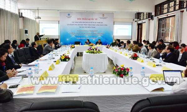 Seminaire international sur la participation de la population a la politique dans le Centre hinh anh 1