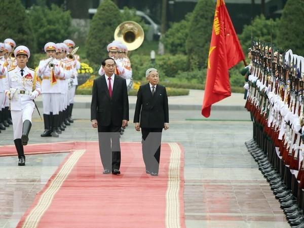 Le president Tran Dai Quang accueille l'empereur et l'imperatrice du Japon hinh anh 1