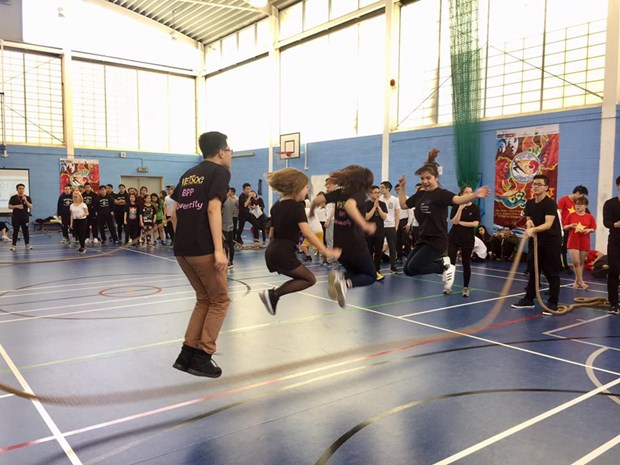 Fete sportive des etudiants vietnamiens au Royaume-Uni hinh anh 2