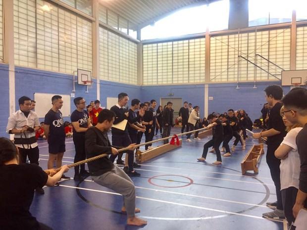 Fete sportive des etudiants vietnamiens au Royaume-Uni hinh anh 4