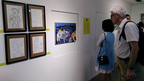 Peinture : une soixantaine d'œuvres d'artistes autistes exposees a Hanoi hinh anh 2