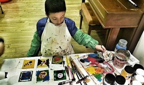 Peinture : une soixantaine d'œuvres d'artistes autistes exposees a Hanoi hinh anh 3