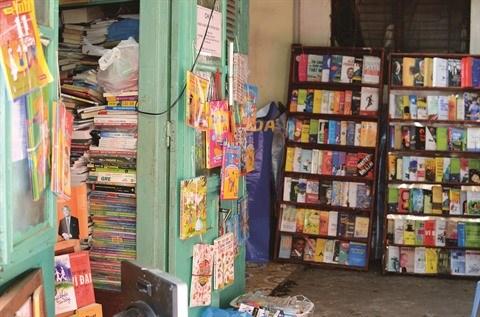 La rue des librairies Dinh Le et la lecture papier chez les jeunes hinh anh 2
