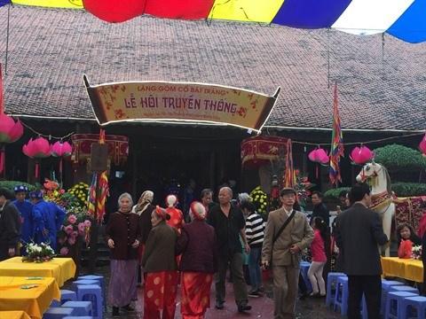 Le village de la ceramique de Bat Trang en fete hinh anh 1