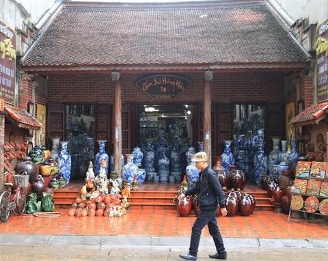 Le village de la ceramique de Bat Trang en fete hinh anh 3