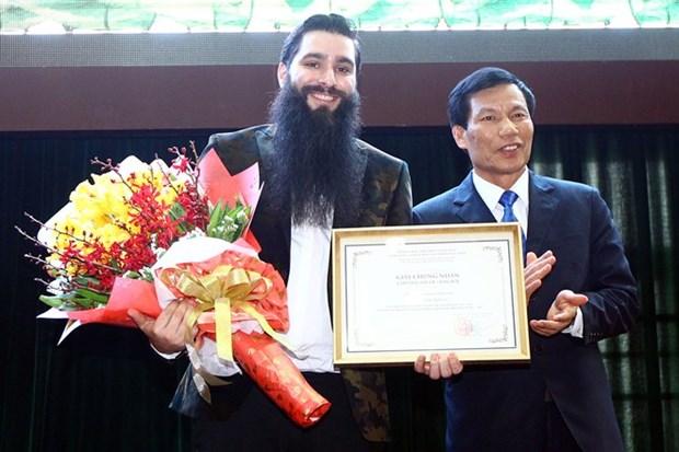 Le realisateur du film «Kong: Skull Island» devient l'ambassadeur du tourisme vietnamien hinh anh 1