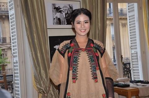 Le retour du brocart vietnamien dans la mode internationale hinh anh 2