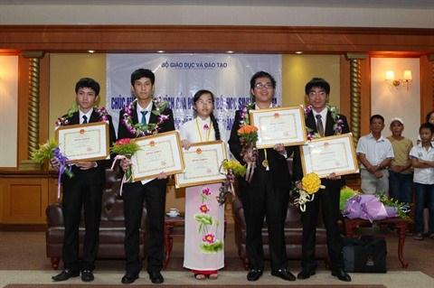 Distinction des dix jeunes illustres du Vietnam de 2016 hinh anh 1
