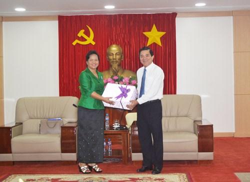 Une delegation des femmes cambodgiennes en visite a Binh Duong hinh anh 1