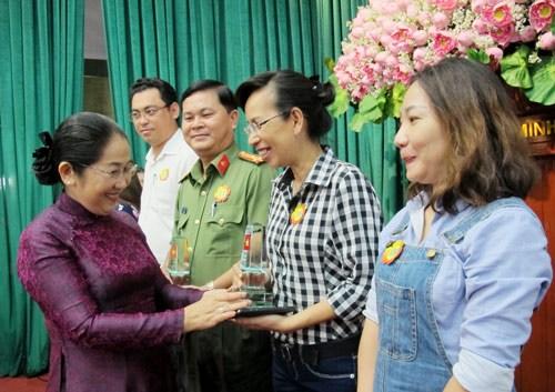 Mer et iles de la Patrie: Ho Chi Minh-Ville mobilise 50,7 milliards de dongs en 2016 hinh anh 1