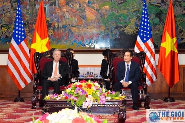 L'ambassadeur americain en visite a Phu Tho hinh anh 1