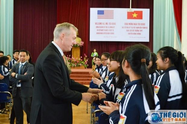 L'ambassadeur americain en visite a Phu Tho hinh anh 2