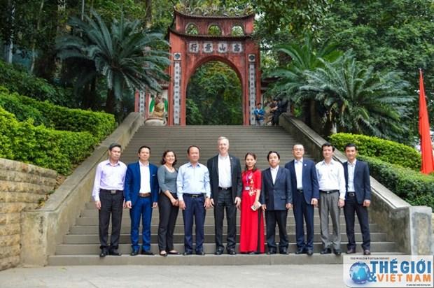 L'ambassadeur americain en visite a Phu Tho hinh anh 3