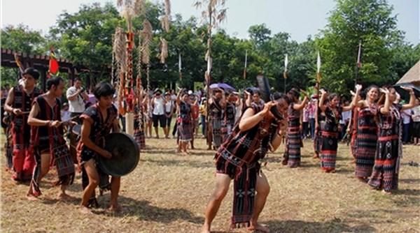 Hanoi: «Les couleurs des ethnies du Vietnam» hinh anh 1